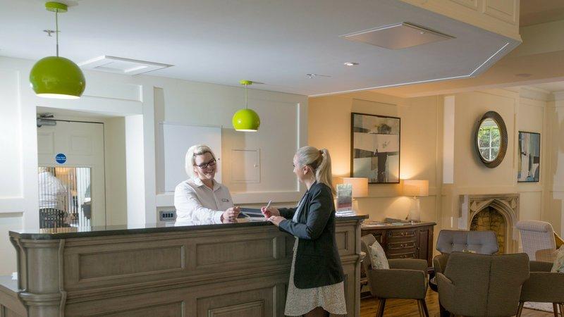 Holiday Inn Milton Keynes East M1, Jct.14-Front Desk<br/>Image from Leonardo