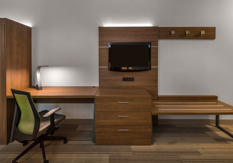 Holiday Inn Express & Suites Carson City-Guest Room<br/>Image from Leonardo
