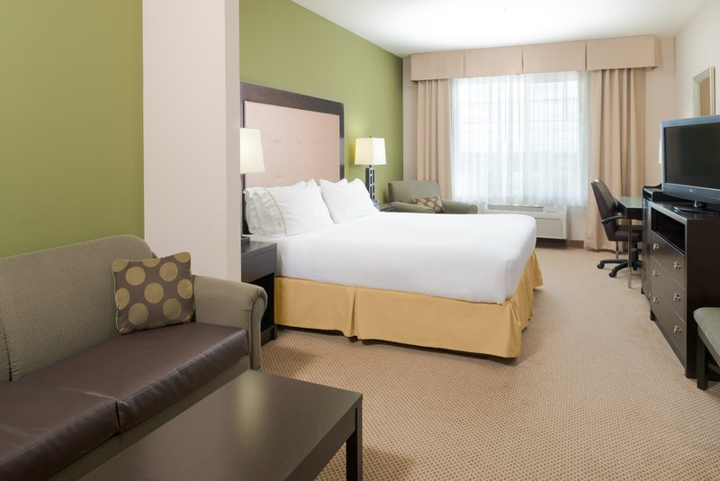 Holiday Inn Express Hotel & Suites North Sequim-King Executive Suite<br/>Image from Leonardo