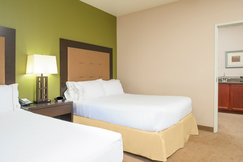 Holiday Inn Express Hotel & Suites North Sequim-Two Queen Suite bedroom<br/>Image from Leonardo