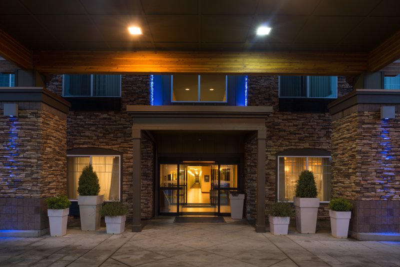 Holiday Inn Express Hotel & Suites North Sequim-Entrance<br/>Image from Leonardo