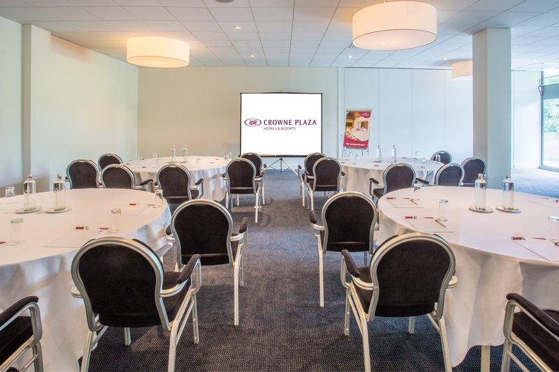 Crowne Plaza The Hague-Meeting Room<br/>Image from Leonardo