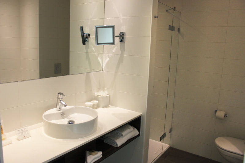 Crowne Plaza The Hague-Guest Bathroom<br/>Image from Leonardo