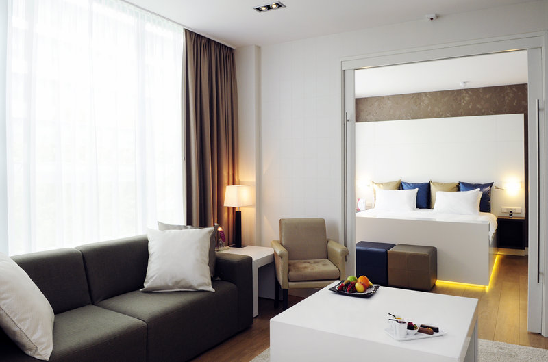Crowne Plaza The Hague-Presidential Suite<br/>Image from Leonardo