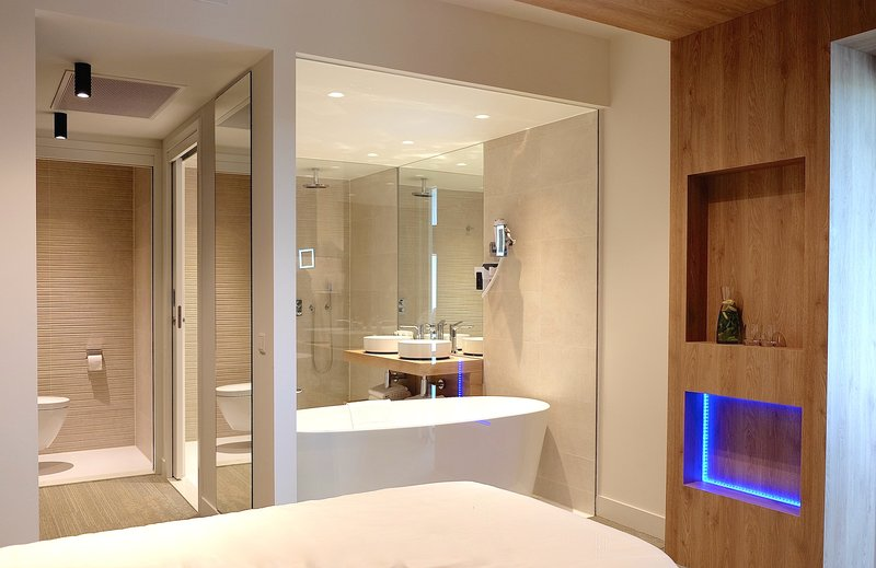 Crowne Plaza The Hague-Guest Room<br/>Image from Leonardo