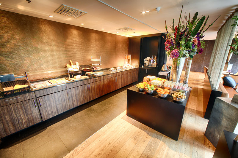 Crowne Plaza The Hague-Breakfast Area<br/>Image from Leonardo