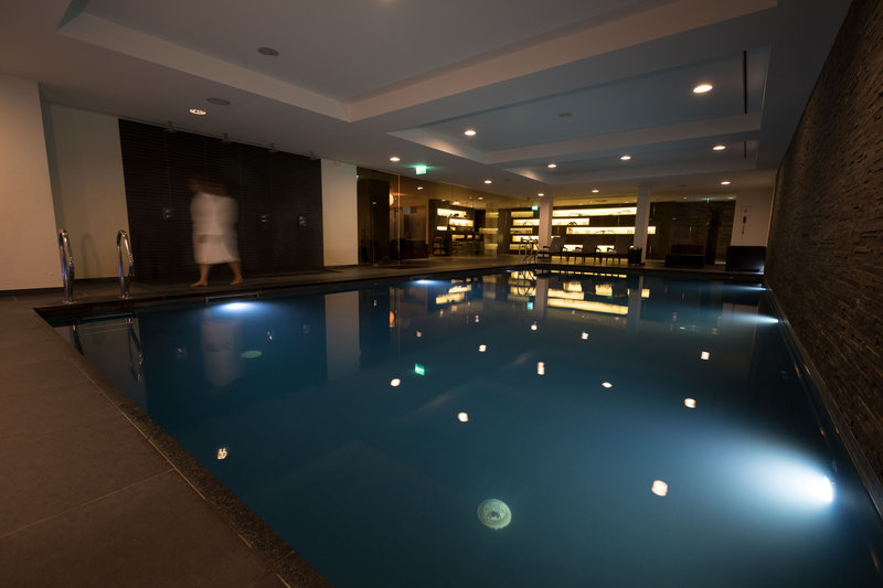 Crowne Plaza The Hague-Swimming Pool<br/>Image from Leonardo