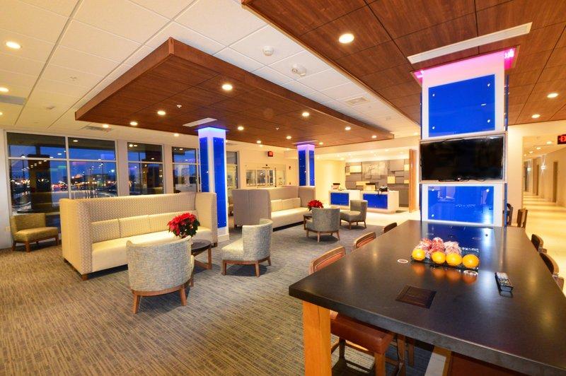 Holiday Inn Express & Suites Toledo South - Perrysburg-Hotel Lobby<br/>Image from Leonardo