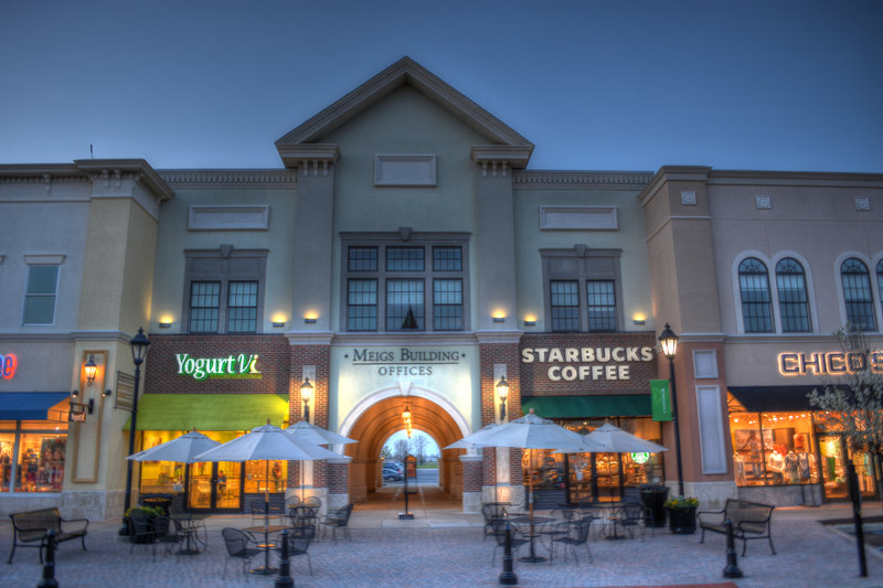 Holiday Inn Express & Suites Toledo South - Perrysburg-Levis Commons Shopping plaza<br/>Image from Leonardo