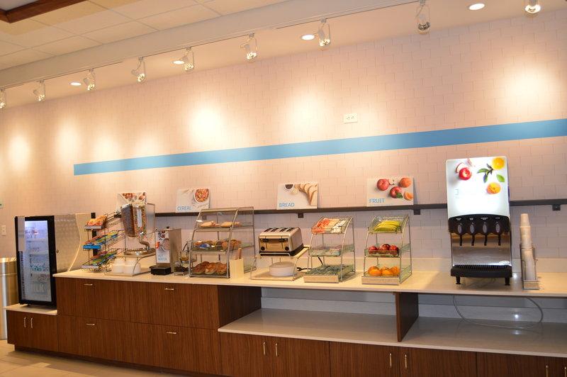 Holiday Inn Express & Suites Toledo South - Perrysburg-Smart Start Breakfast Bar<br/>Image from Leonardo