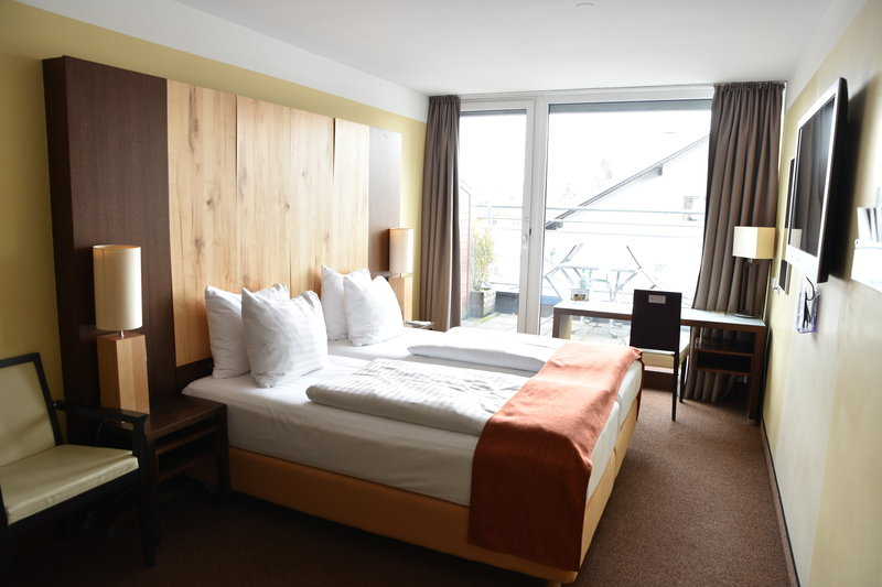 Holiday Inn Salzburg City-Our bright and friendly superior room<br/>Image from Leonardo