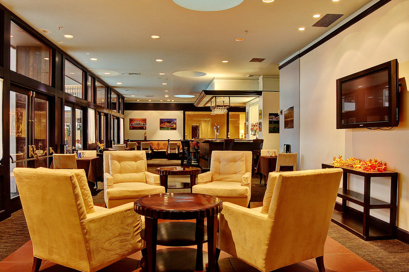 Crowne Plaza Pittsfield-Berkshires-Bar and Lounge<br/>Image from Leonardo