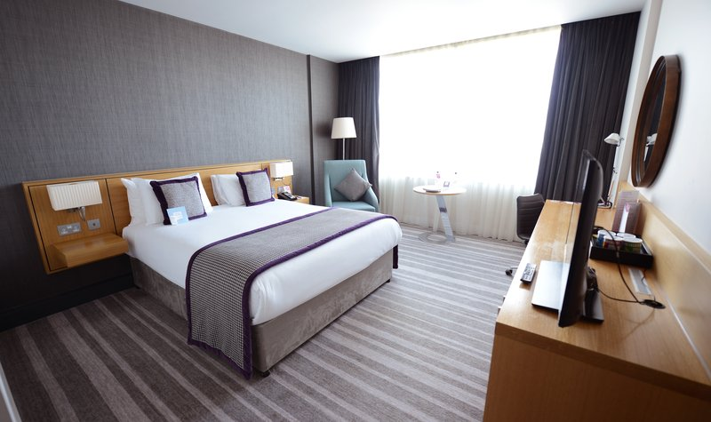 Crowne Plaza Newcastle - Stephenson Quarter-Deluxe Queen Room<br/>Image from Leonardo
