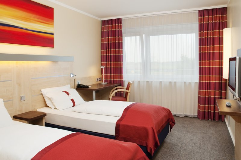 Holiday Inn Express Stuttgart Airport-Double Bed Guest Room<br/>Image from Leonardo