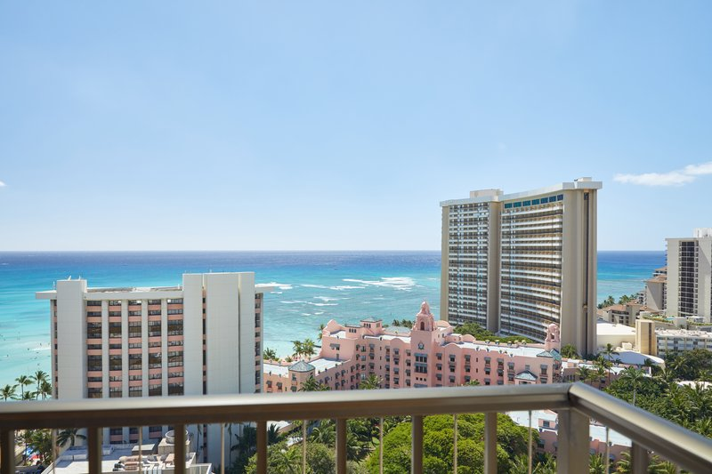 Waikiki Beachcomber By Outrigger - Waikiki Beachcomber Outrigger Bed Oceanview Suite <br/>Image from Leonardo