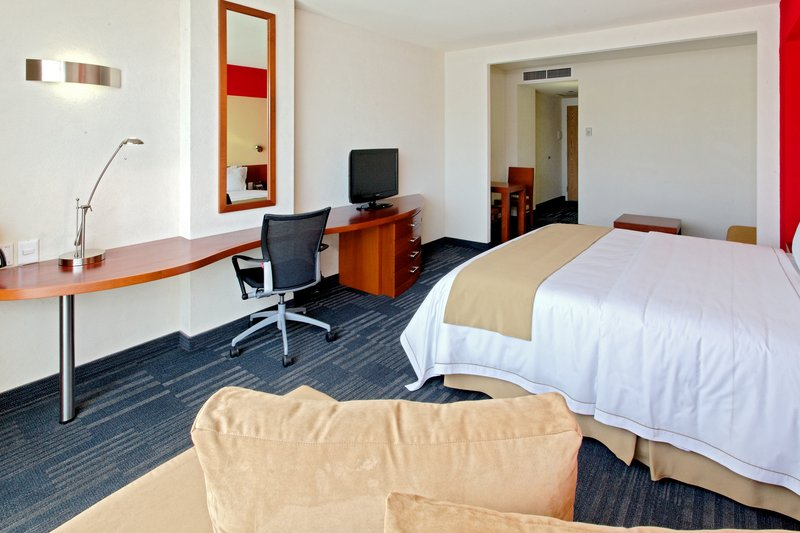 Holiday Inn Express Guadalajara Expo-Suite<br/>Image from Leonardo