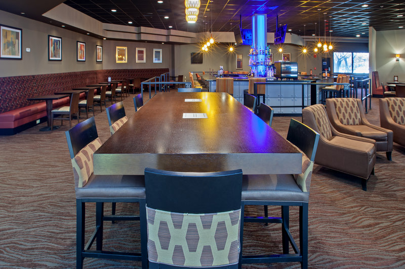 Holiday Inn Evansville Airport-Bar and Lounge<br/>Image from Leonardo