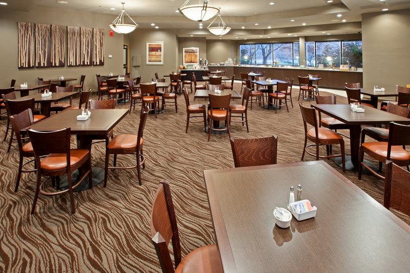 Holiday Inn Evansville Airport-Don't rush out in the morning breakfast is included with all rooms<br/>Image from Leonardo