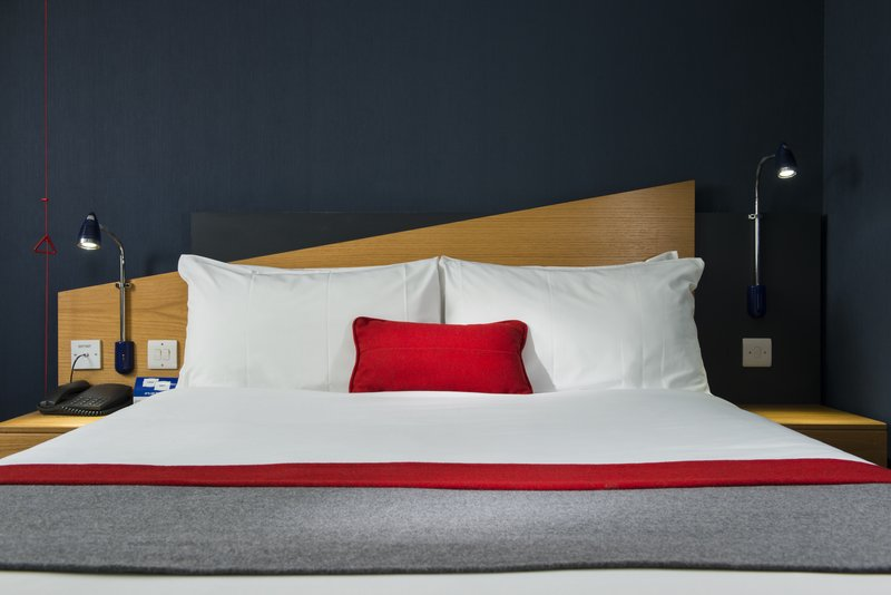 Holiday Inn Express Newcastle-Metro Centre-Soft or firm pillow? It's your choice<br/>Image from Leonardo