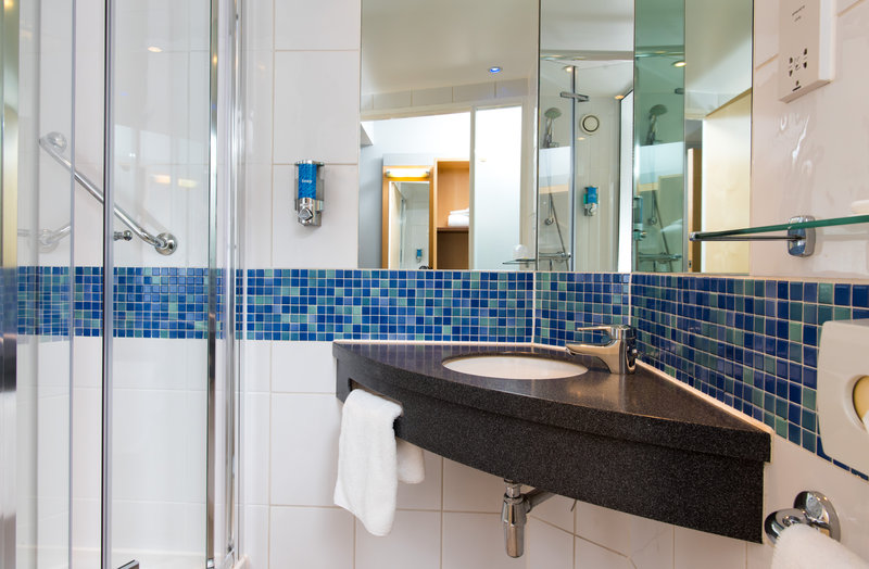 Holiday Inn Express Newcastle City Centre-Wake up to a refreshing power shower in your en-suite<br/>Image from Leonardo