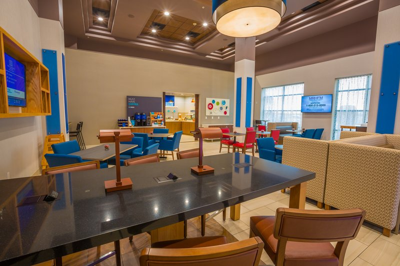 Holiday Inn Express Pasco - TriCities-Hotel Lobby<br/>Image from Leonardo