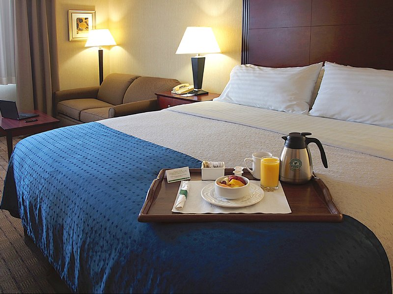 Holiday Inn Hotel & Suites Winnipeg-Downtown-Room Service<br/>Image from Leonardo