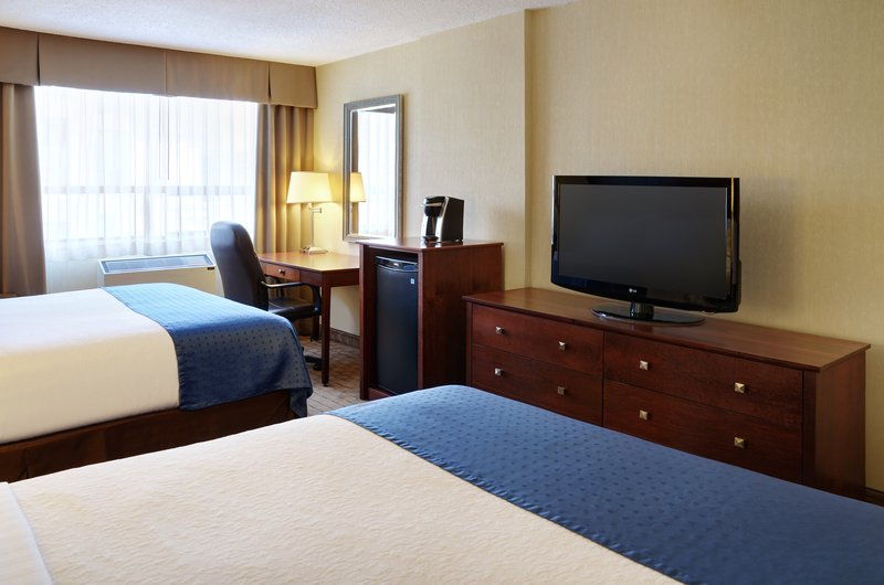 Holiday Inn Hotel & Suites Winnipeg-Downtown-Enjoy our comfortable double bedded rooms!<br/>Image from Leonardo