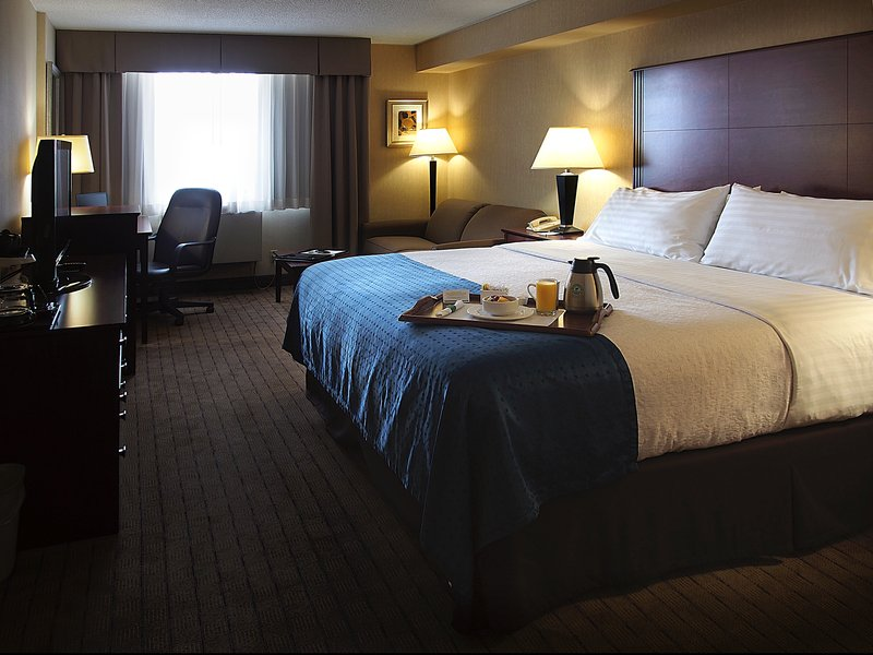 Holiday Inn Hotel & Suites Winnipeg-Downtown-Guest Room<br/>Image from Leonardo