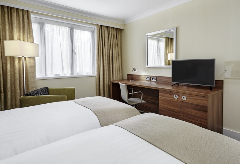 Holiday Inn Cardiff - North M4, Jct.32-Guest Room<br/>Image from Leonardo