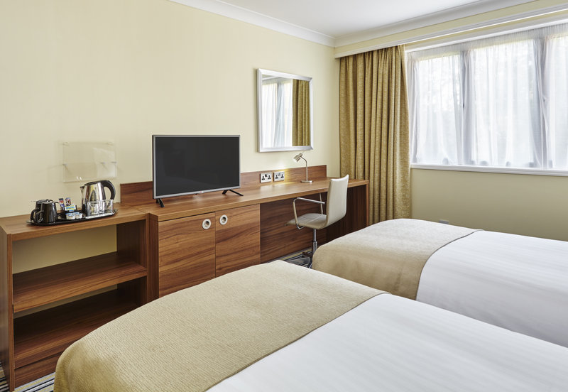 Holiday Inn Cardiff - North M4, Jct.32-2 SGL BD 2 PERS NONSMOKING<br/>Image from Leonardo