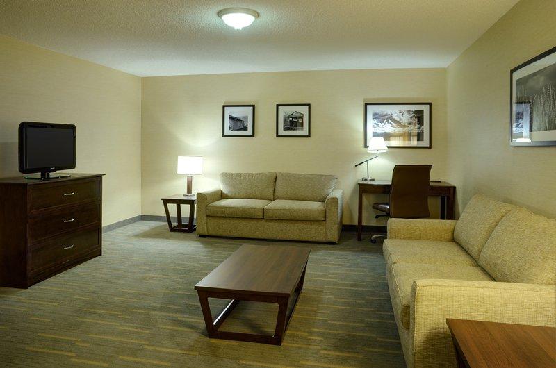 Holiday Inn Lethbridge-Suite<br/>Image from Leonardo