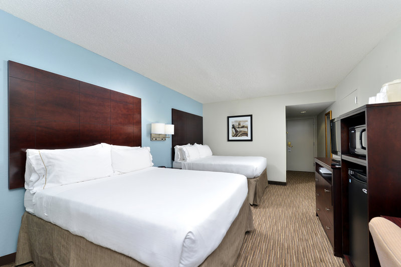 Holiday Inn Express & Suites Tampa/Rocky Point Island-Double Bed Guest Room with free wifi and micro fridge   <br/>Image from Leonardo