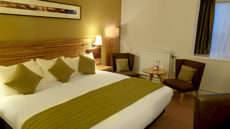 Crowne Plaza Chester-Standard Double Bed Guest Room (with zip and link bed)<br/>Image from Leonardo