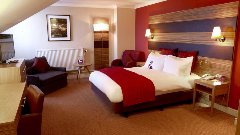 Crowne Plaza Chester-Executive Family Room(double bed and two sofa chairs for children)<br/>Image from Leonardo