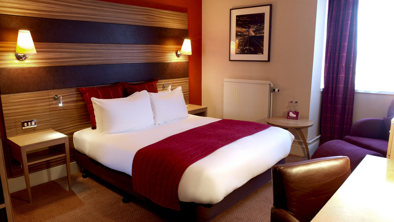 Crowne Plaza Chester-Executive Room Double Bed<br/>Image from Leonardo