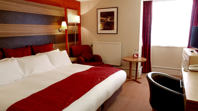 Crowne Plaza Chester-Executive Room Double Bed (zip and link bed)<br/>Image from Leonardo