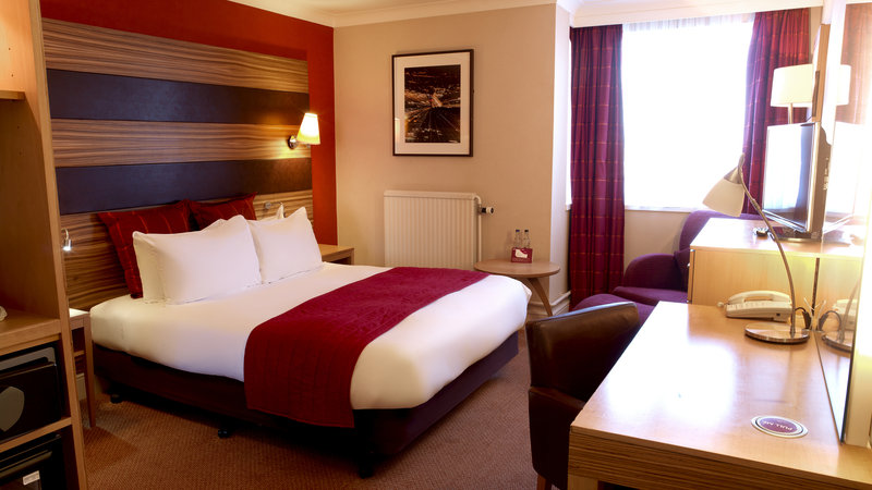Crowne Plaza Chester-Executive Room Double Bed ( Bed preference )<br/>Image from Leonardo