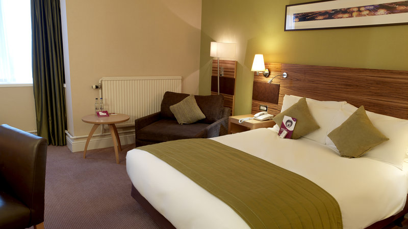 Crowne Plaza Chester-Standard Double Bed Guest Room (with a sofa chair for a child u15)<br/>Image from Leonardo