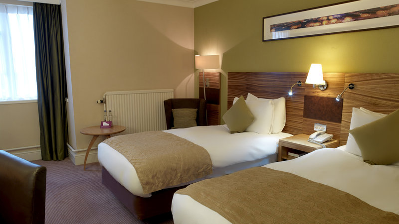 Crowne Plaza Chester-Standard Twin Room<br/>Image from Leonardo