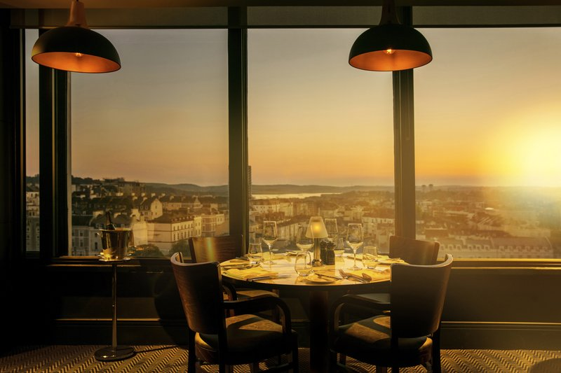 Crowne Plaza Plymouth-Sunset at Marco Pierre White Steakhouse Bar & Grill<br/>Image from Leonardo