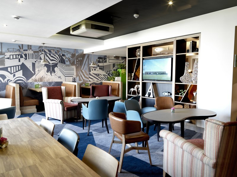 Crowne Plaza Plymouth-Ground floor lounge serving food, drinks and cocktails<br/>Image from Leonardo
