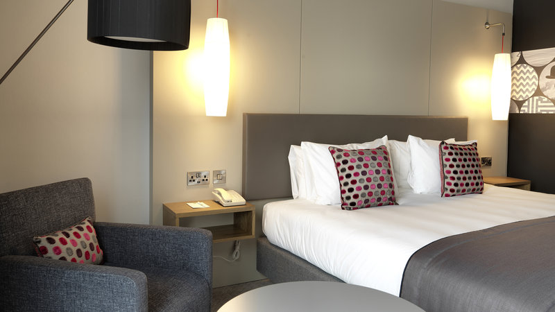 Crowne Plaza Plymouth-Modern standard room with toiletries, free Wi-Fi and safe<br/>Image from Leonardo