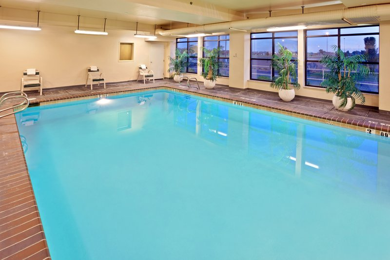 Holiday Inn Express Pasco - TriCities-Swimming Pool<br/>Image from Leonardo