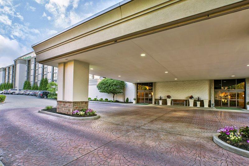 Holiday Inn Hotel & Suites Cincinnati-Eastgate (I-275e)-Entrance<br/>Image from Leonardo