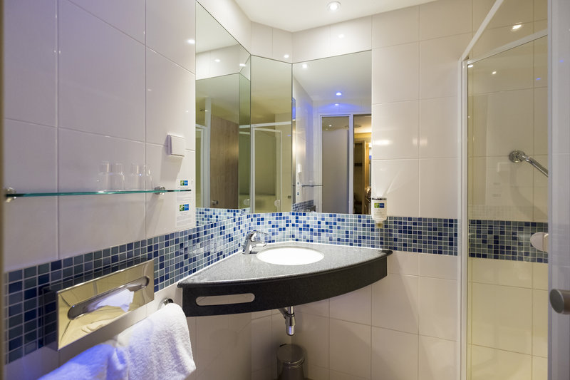 Holiday Inn Express Guetersloh-Bathroom with shower<br/>Image from Leonardo