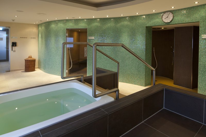 Holiday Inn Berlin Airport - Conf Centre-Relax and unwind with sauna, steam-bath and experience showers<br/>Image from Leonardo