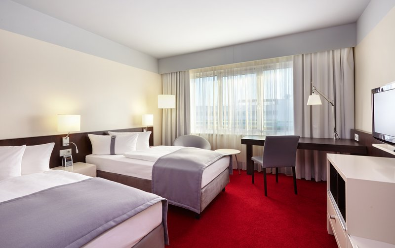 Berlin Airport Conference Centre-Comfortable Two Single Beds Nonsmoking room with Airport View<br/>Image from Leonardo