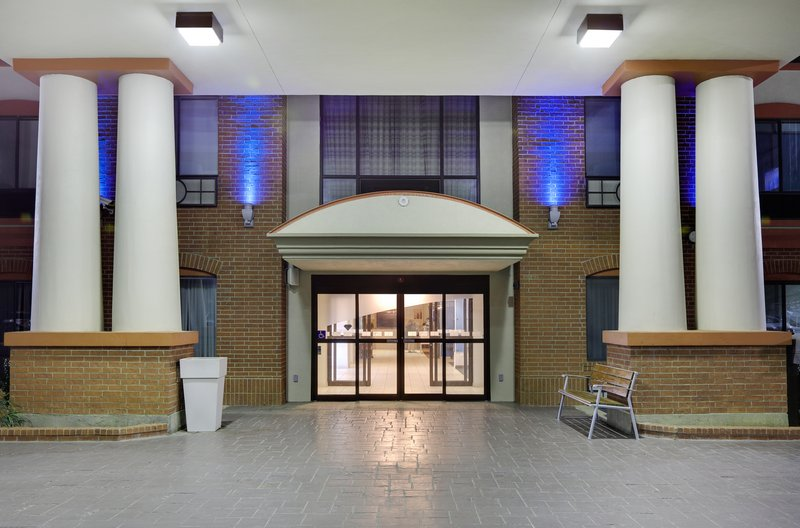 Holiday Inn Express & Suites Burleson/Ft. Worth-Entrance <br/>Image from Leonardo