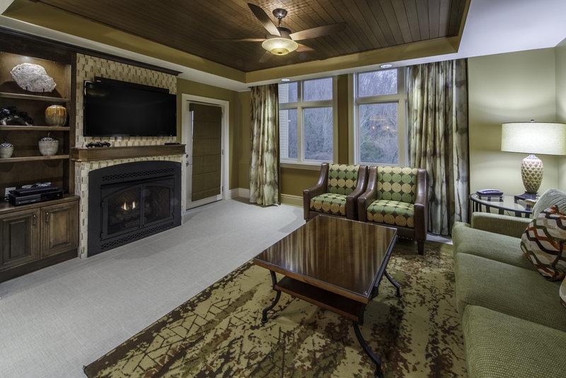 Holiday Inn Club Vacations Gatlinburg-Smoky Mountain Resort-Signature Collection 2 bedroom living room<br/>Image from Leonardo