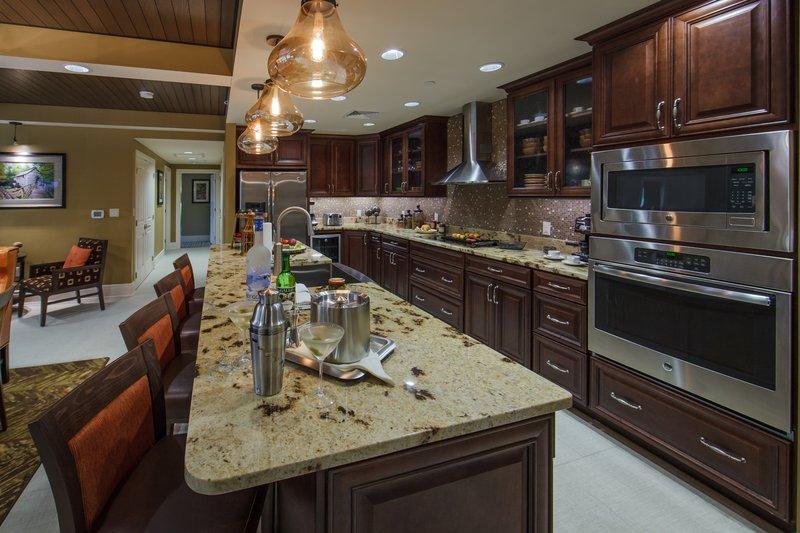 Holiday Inn Club Vacations Gatlinburg-Smoky Mountain Resort-Modern luxurious Signature eat-in kitchen<br/>Image from Leonardo